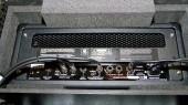 Collegamenti di testata, accordatore, stop box e alimentazione. I cavi utilizzati per cablare i 'Rocking Racks' sono Klotz modello 'Lagrange'. Il principale (chitarra -->input del rock) è il modello 'Titanium' (non presente nella foto).