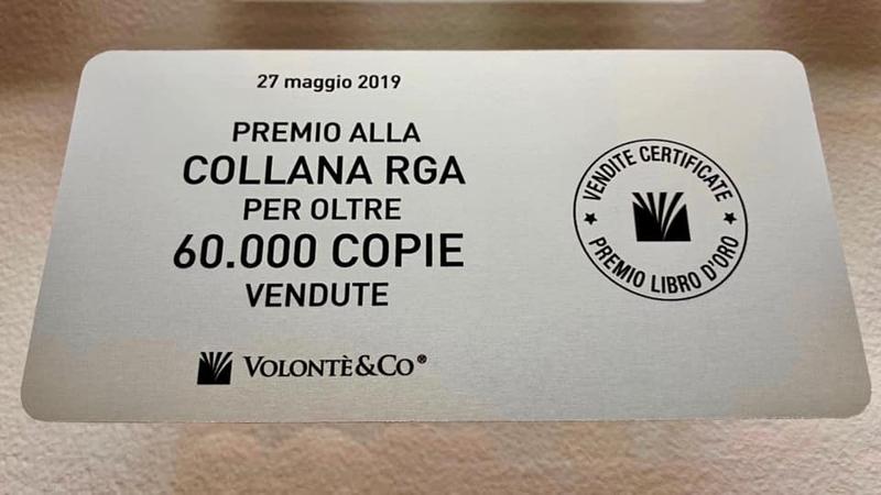 Targa premio 'Libro d'oro' per le oltre 60.000 copie certificate vendute della collana didattica RGA! Grandioso risultato!