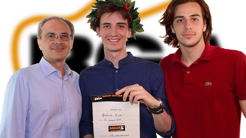 Gabriele Carli con il papà e il fratello