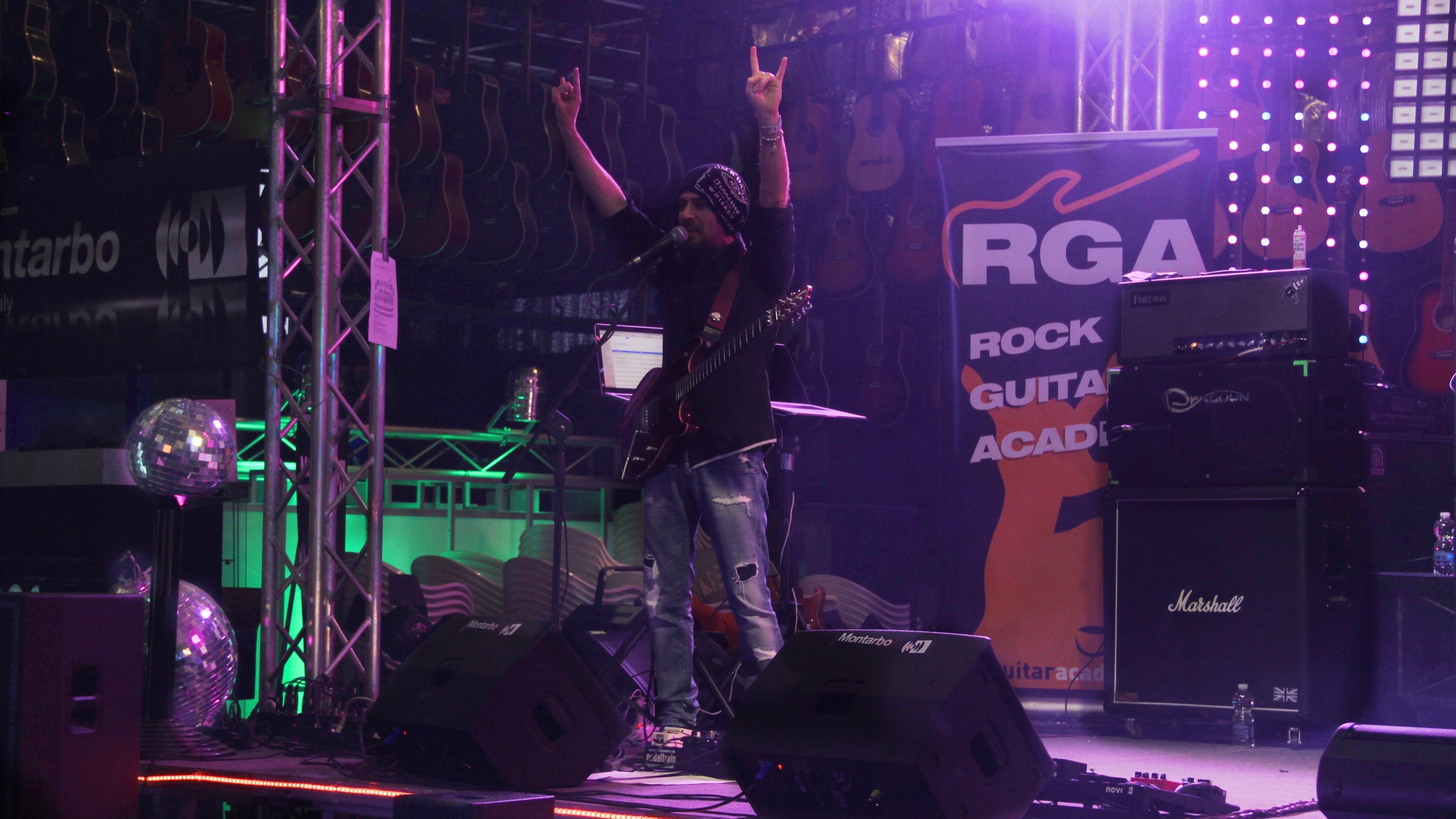 RGA Tour 2017 - Roberto Fazari - Essemusic (Montebelluna - TV)